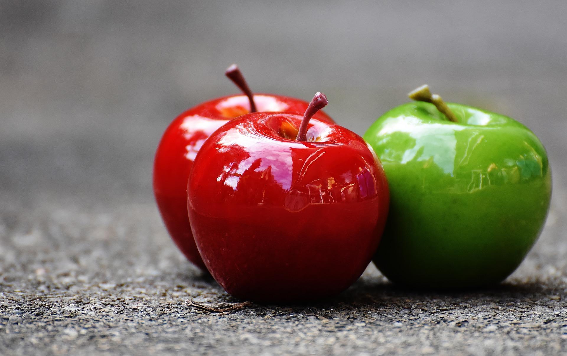 青春のイメージ、青りんご